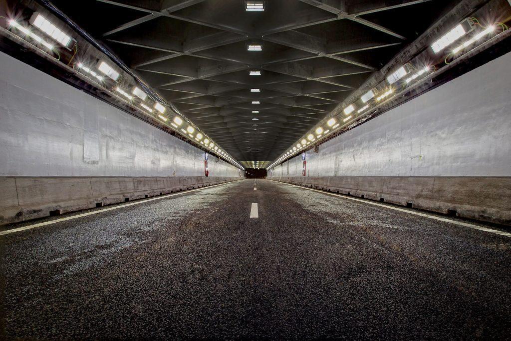 Світлодіодний тунельний світильник Schreder FV32