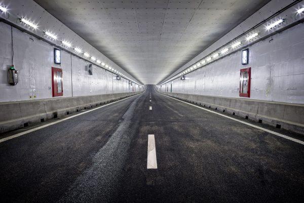 Світлодіодний тунельний LED-світильник Schreder ContiLED