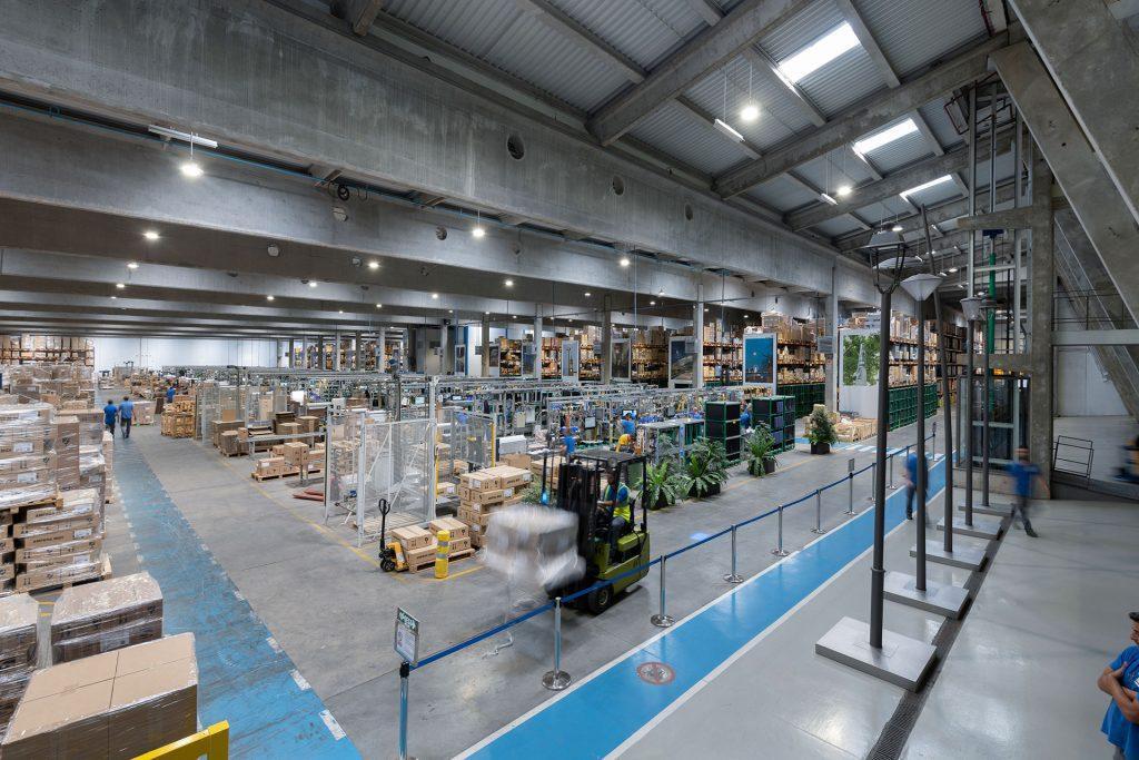 Світильники INDU Bay - завод Schréder Socelec у Guadalajara, Іспанія