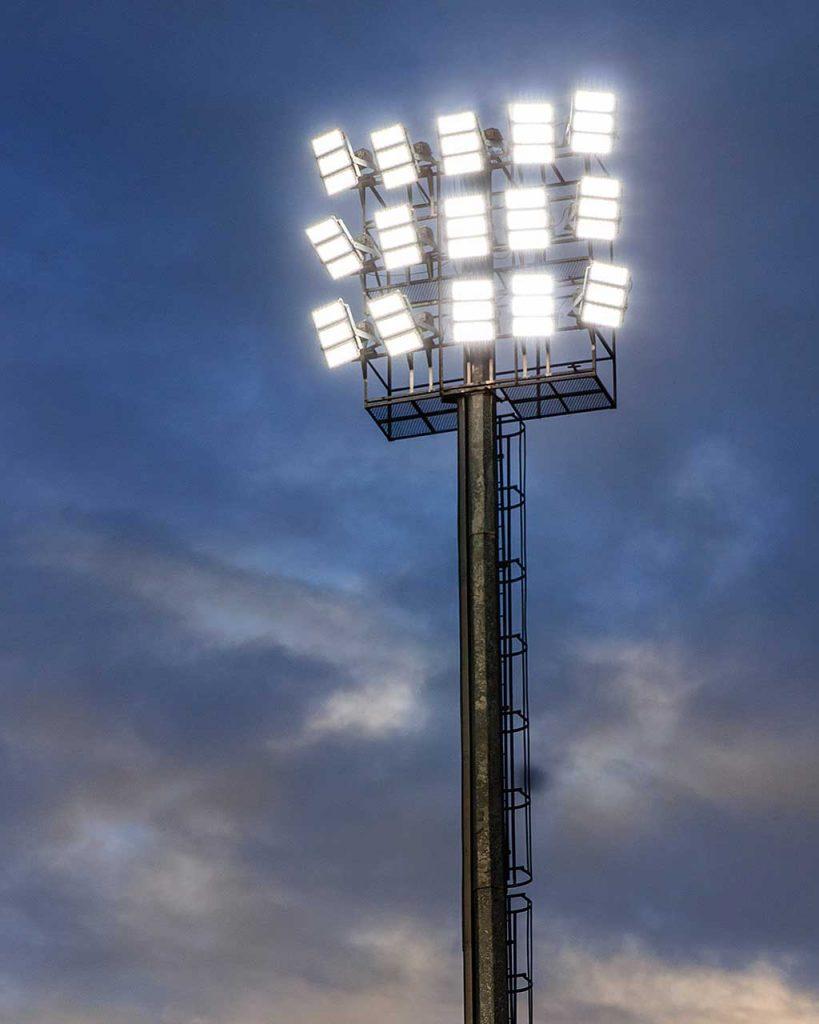 LED світильник для спорту Schreder OMNIblast photo 2
