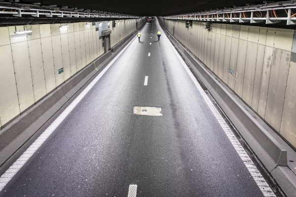 The Vierarmen Tunnel on the Brussels ring road - фото 3