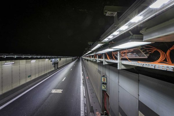 The Vierarmen Tunnel on the Brussels ring road - фото 2