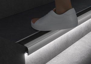 LED профіль сходинковий 2